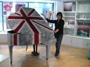 Lee & piano
